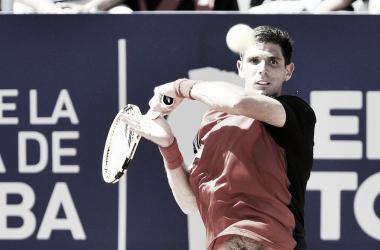 Delbonis pegando su drive | Foto: ATP 250 de Córdoba