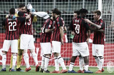 Em dia deDonnarumma, Milan bateSassuolo e sobe uma posição no Italiano