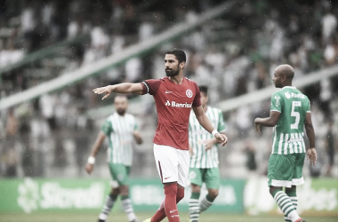 Reserva no Internacional, Tréllez volta a virar alvo do Botafogo para o setor ofensivo