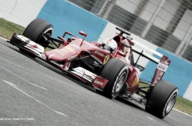 Vettel voltou a ser o mais rápido em pista ( foto in: f1fanatic.co.uk)
