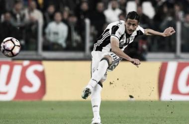 Rolando Mandragora, centrocampista della Juventus, in azione proprio contro il Genoa. | ilbianconero.com