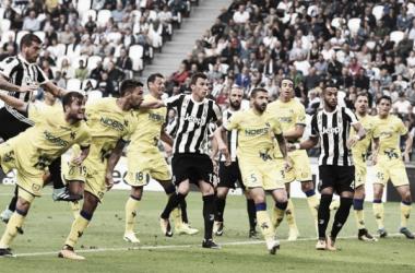 Un'immagine dell'autogol di Hetemaj. | Calcio News 24.