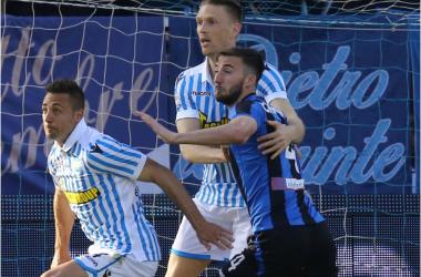 Serie A - La SPAL ci mette il cuore, l'Atalanta pure: 1-1 al Mazza con gol di Cionek e De Roon