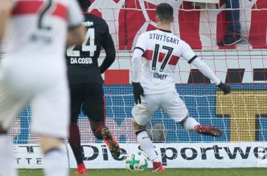 Il gol di Erik Thommy, il suo primo in campionato. | Bundesliga English, Twitter.