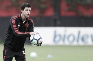 Ao 'Bem Amigos', Barbieri pede paciência com recém-chegados no Flamengo