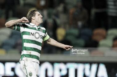 Capitão Adrien permanece no Sporting.