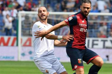 Riccardo Saponara a duello con El Yamiq. | Genoa CFC, Twitter.