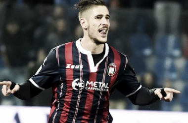 Diego Falcinelli in una delle sue 13 esultanze stagionali con la maglia del Crotone. | Tuttosport.