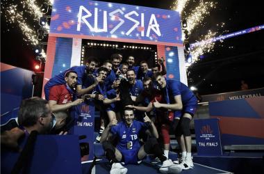 Rússia festeja o título da Liga das Nações-2018 (Reprodução/ FIVB)