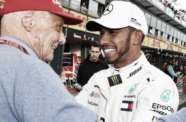 La felicitación de Niki Lauda al poleman | Foto: Fórmula 1