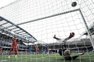 Chelsea vence Leicester por 3-0.