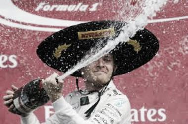 Nico Rosberg con el gorro texano | Foto: Fórmula 1