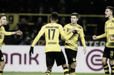 Schmelzer, Aubameyang, Pulisic e Bartra durante la sfida con l'Hoffenheim. | bvb.de/eng
