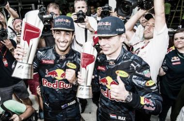 Ricciardo y Verstappen festejan el 1-2 de Red Bull | Foto: Fórmula 1