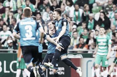 L'esultanza di Szalai, che con la sua doppietta firma la vittoria dell'Hoffenheim. | TSG 1899 Hoffenheim, Twitter.