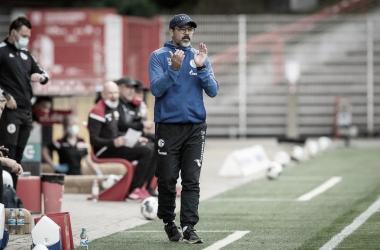 David Wagner admite problemas do Schalke, mas destaca empenho do time no empate com Union Berlin