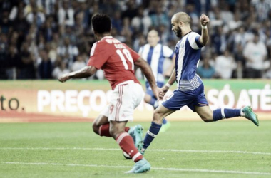 Porto 1-0 Benfica: Nada decidido, mas candeia que vai à frente...