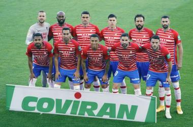Imagen de los jugadores antes del último partido frente al Cádiz. Foto: Pepe Villoslada / Granada CF.