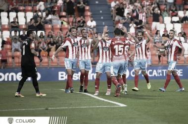 Jugadores del Lugo celebrando un gol. // Foto: Web CD Lugo