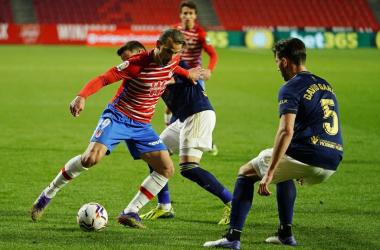 Roberto Soldado durante el encuentro ante Osasuna. Foto: Pepe Villoslada / Granada CF.