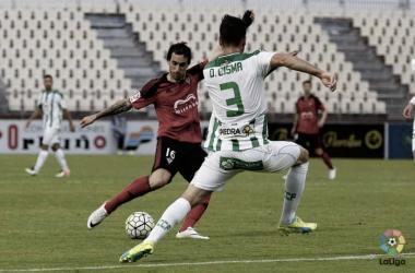 CD Mirandés - Córdoba CF: la base de un buen ataque es una buena defensa | Foto: laliga.es