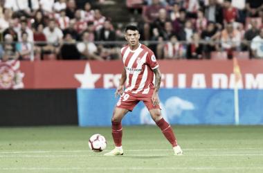 Pedro disputando un partido con el Girona | Fotografía: Girona F.C.