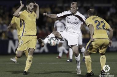 Zozulya durante un encuentra disputado esta temporada. // Foto: Web Albacete Balompié