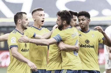Los jugadores del Cádiz celebran el 1-0 // Cádiz CF