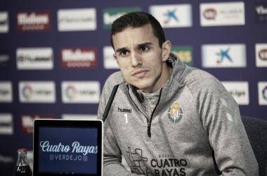 Rueda de prensa de Jordi Masip atendiendo a los periodistas, Fotografía: Real Valladolid