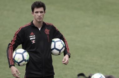 """Barbieri exalta triunfo do Flamengo diante do Vitória: """"Por mérito''"""