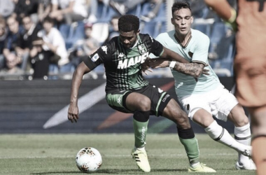 Internazionale pega Sassuolo para continuar na briga pelo título italiano