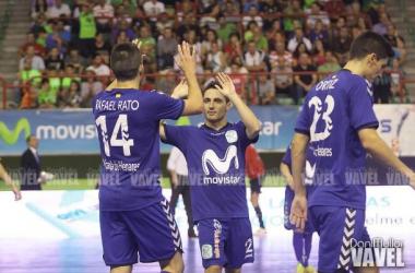 Los jugadores interistas celebran un gol ante el Peñíscola.