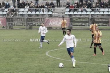 Santigosa, el autor del gol, en un partido esta temporada (Foto: Belén Sancho | VAVEL).