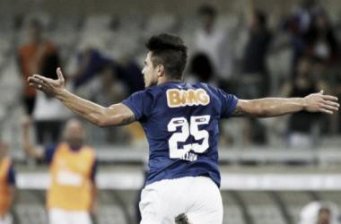 Herói contra o Santos, Willian comemora gol marcado e valoriza vitória do Cruzeiro