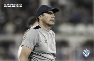 Gómez no pudo sumar puntos en los dos partidos que lleva como dt del Fortín   Foto: Prensa Vélez