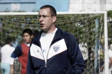 Raul comandou interinamente o Avaí em algumas partidas em 2014 (Foto: André Palma Ribeiro/Avaí FC)