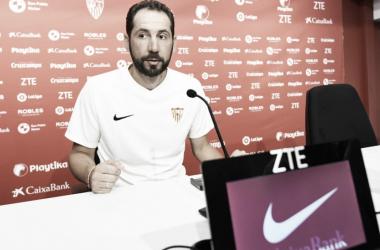 Machín en rueda de prensa. Foto:Sevilla FC.