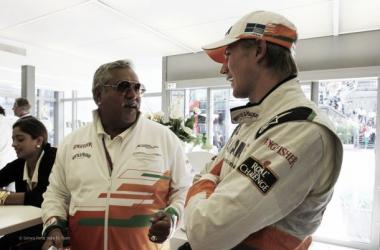 Vijay Mallya e Nico Hulkenberg (Fonte: Sahara Force India