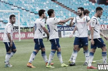 El filial maño celebra un tanto ante el Atlético Baleares (Foto: Belén Sancho | VAVEL).