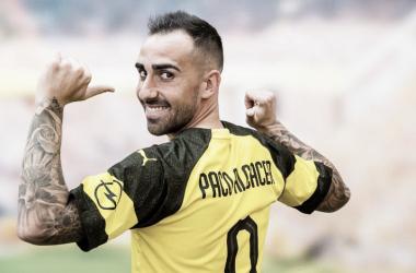Paco Alcácer con la elástica del Borussia Dortmund | Foto del Borussia Dortmund