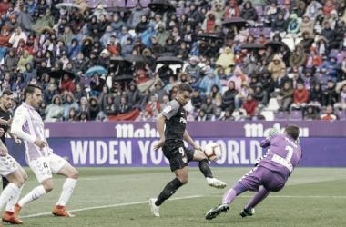Ben Yedder encara a Masip | Foto: Real Valladolid CF