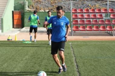 El Orihuela CF prescinde de los jugadores Javi Bernal y Gavilán