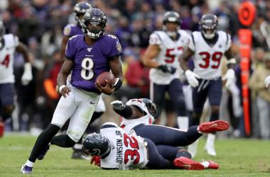 Lamar Jackson otra vez fue figura y se consolida como un serio candidato al jugador más valioso de la temporada. Foto: Ravens.