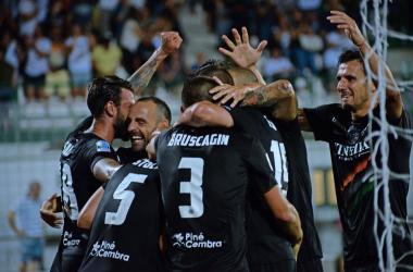 Serie B - Il Venezia vola in semifinale: battuto il Perugia 3-0