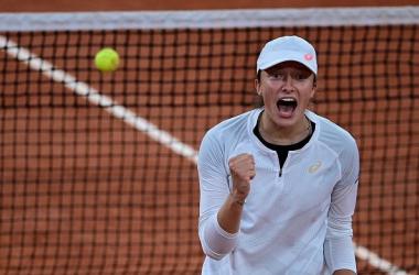 French Open: Iga Swiatek Upsets Simona Halep
