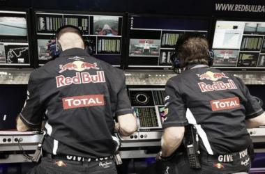 Ordens de equipa por rádio proibidas já em Singapura. (Foto: Red Bull)