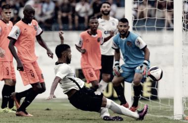 Maior campeão da Copinha, Corinthians enfrenta o Coritiba visando as oitavas