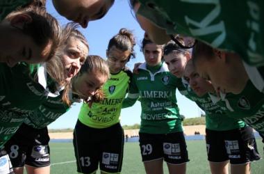 corro de las jugadoras del Oviedo Moderno antes del partido. Foto: Oviedo Moderno