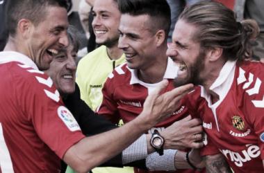 Los granas celebran el gol de Albentosa. Foto: GImnàstic de Tarragona.