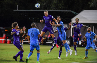 Mueller going for a header vs NYCFC in the MLS is Back Tournament. (Credit: Mark Brown)